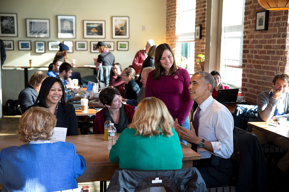 President Obama has lunch with Sen. Barbara Mikulski, Amanda Rothschild, Mary Stein, and Morvika