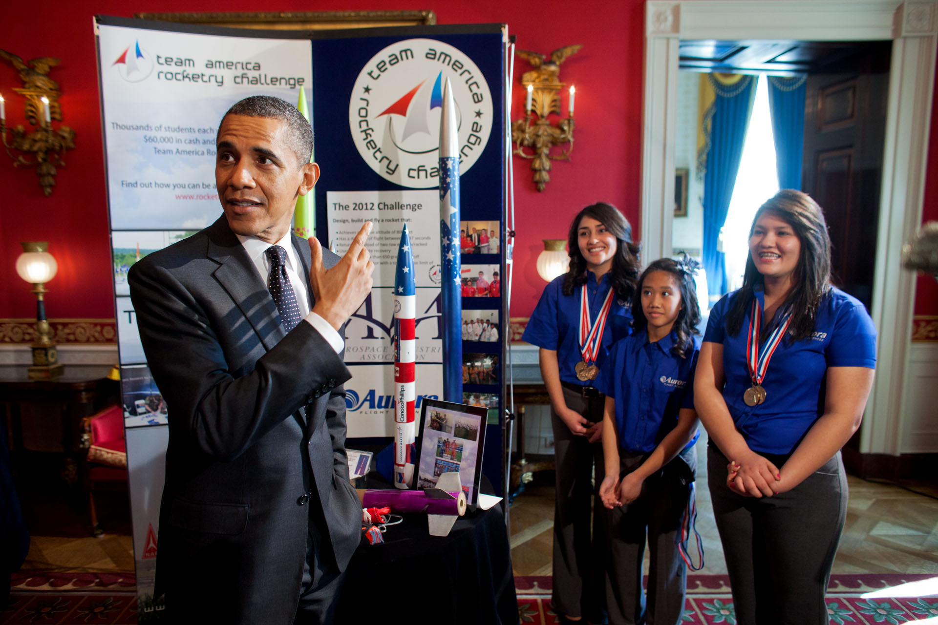 President Obama meets with rocketry team from Presidio, Texas
