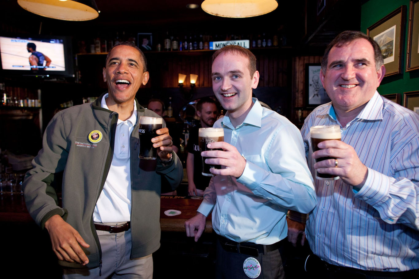 President Obama Visits the Dubliner with his Irish Cousin