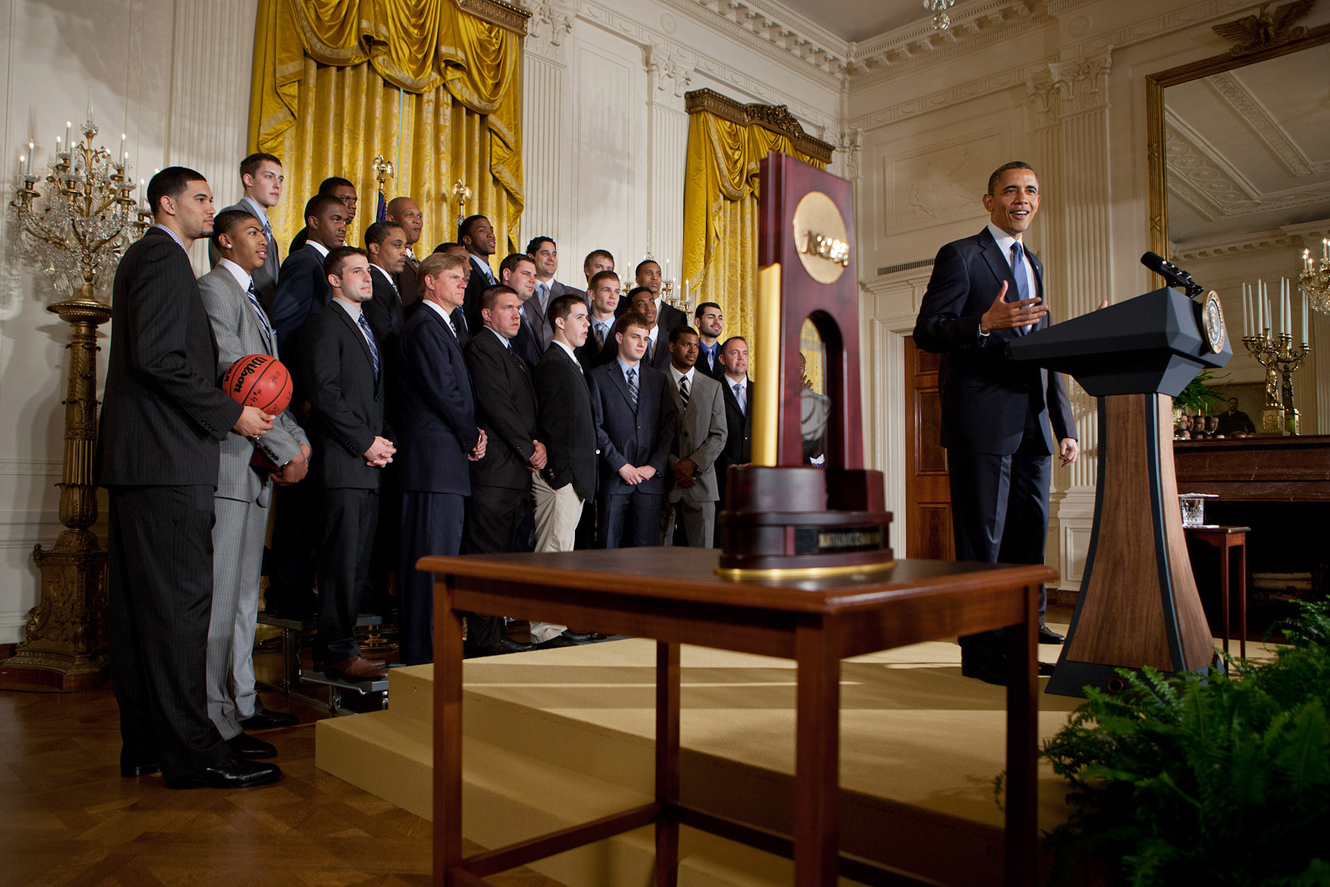 President Barack Obama welcomes the University of Kentucky men's Wildcats basketball team to the East Room