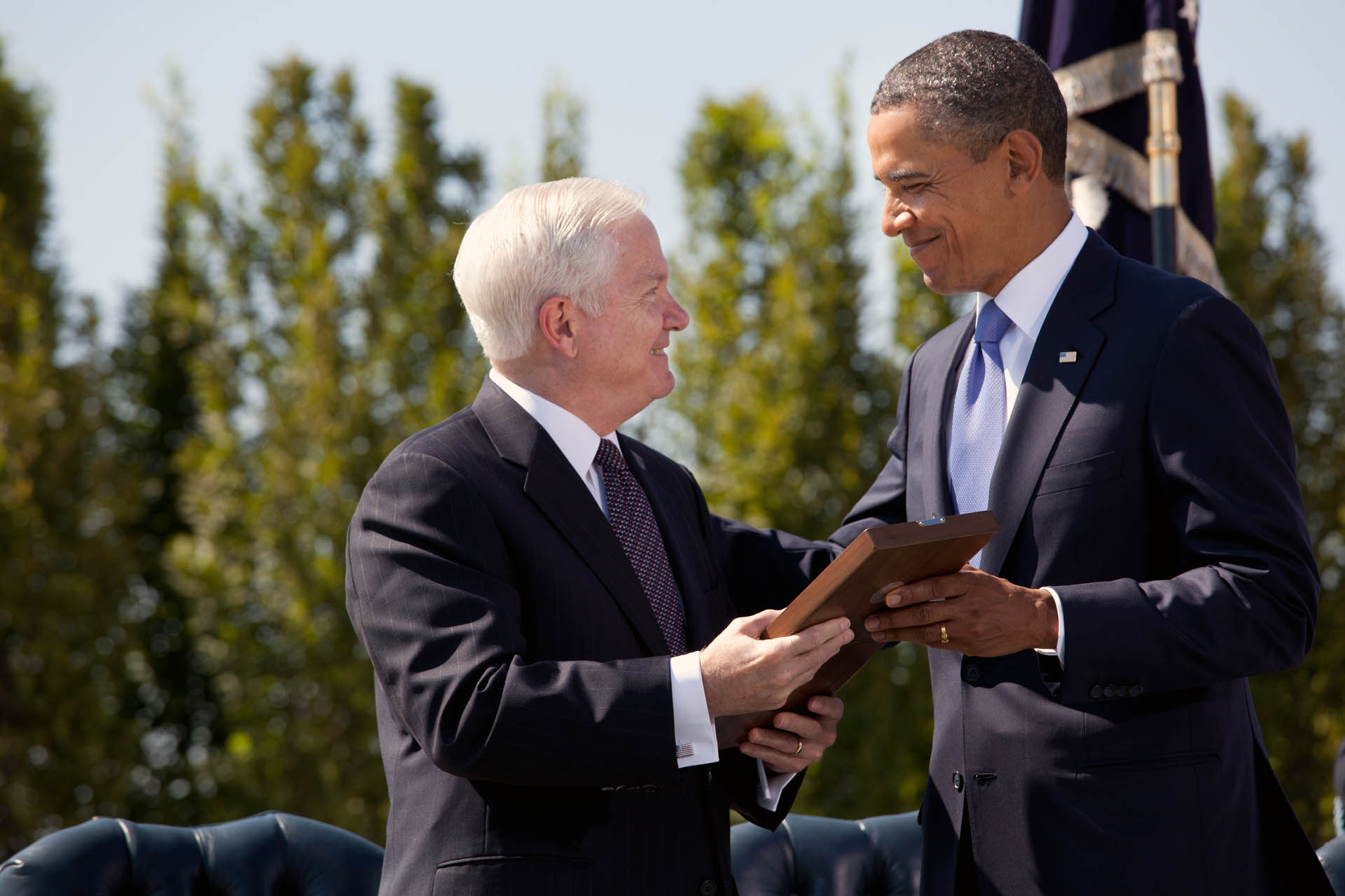 President Barack Obama  presents Secretary of Defense Robert M. Gates with the Presidential Medal of Freedom