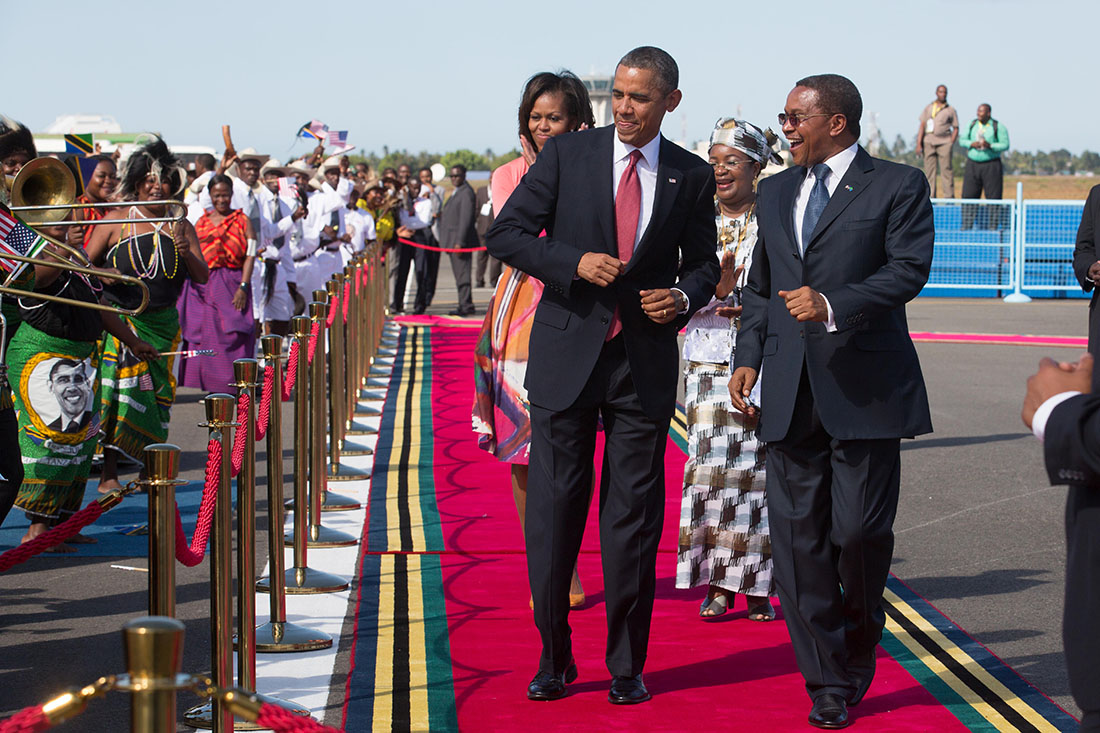 President Barack Obama and President Jakaya Kikwete of Tanzania, along with First Lady Michelle Obama and Salma Kikwete