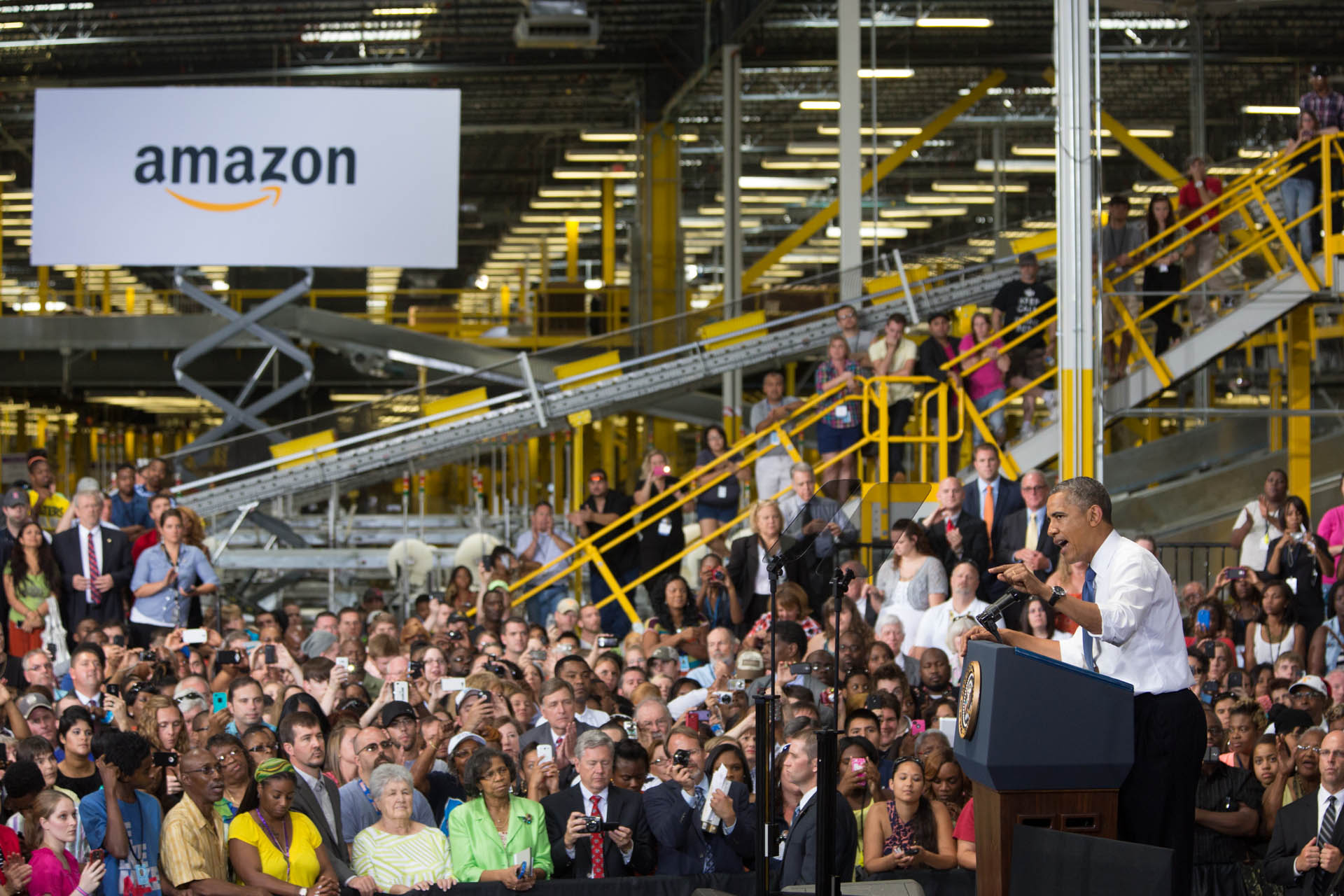 President Barack Obama delivers remarks on the economy at the Amazon Chattanooga Fulfillment Center