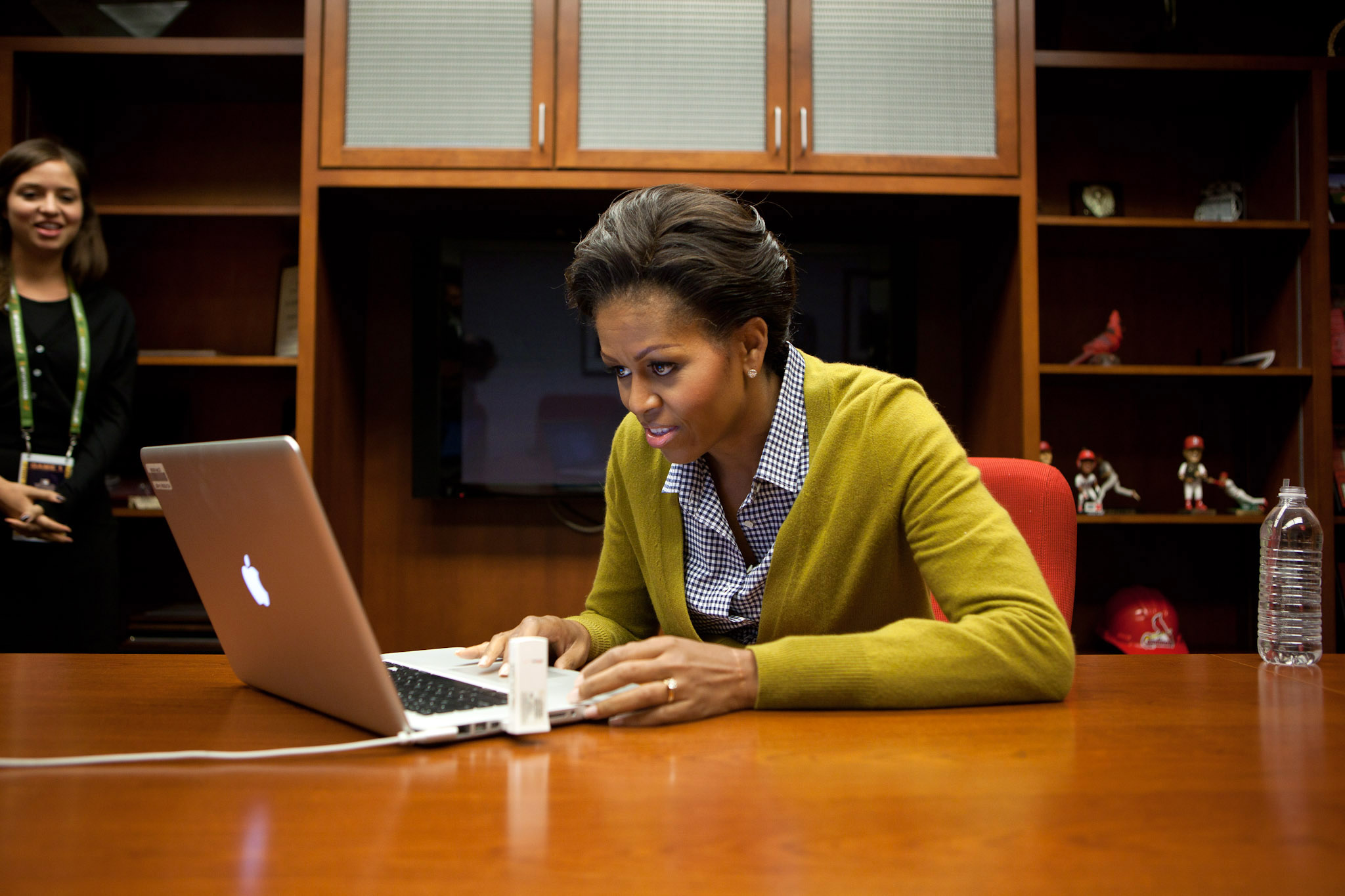 The First Lady makes her first official tweet at Game 1 of the World Series