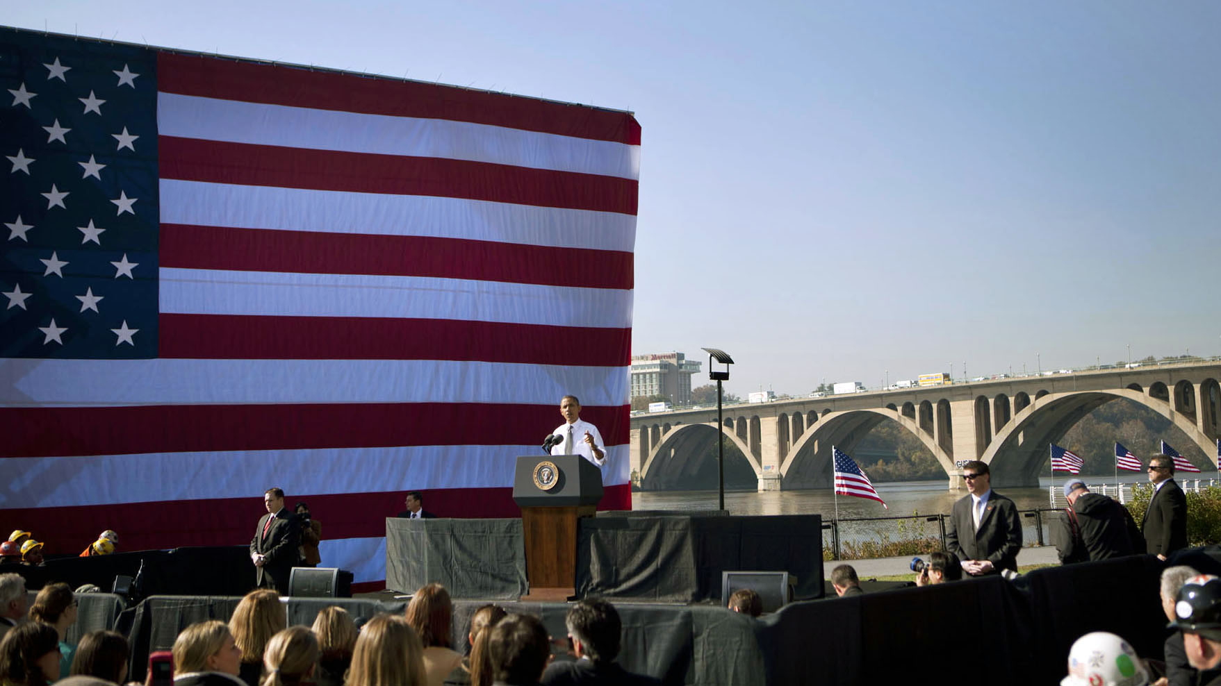 20111102 The President speaks at the Key Bridge