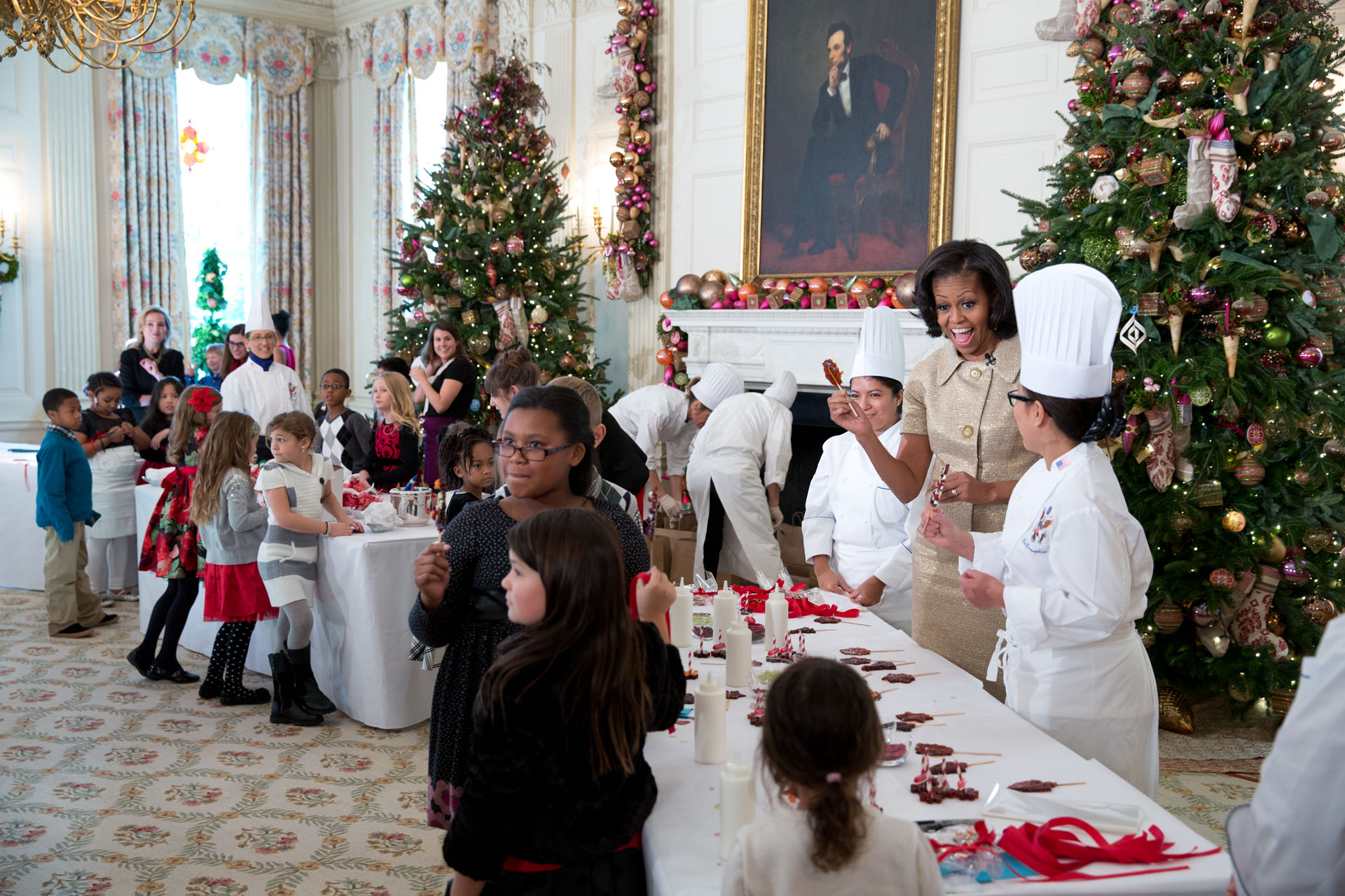 Holiday decorations at the white house are displayed during a press - First Lady Michelle Obama Makes A Honey Tea Stirrer During The Holiday Press Preview Nov