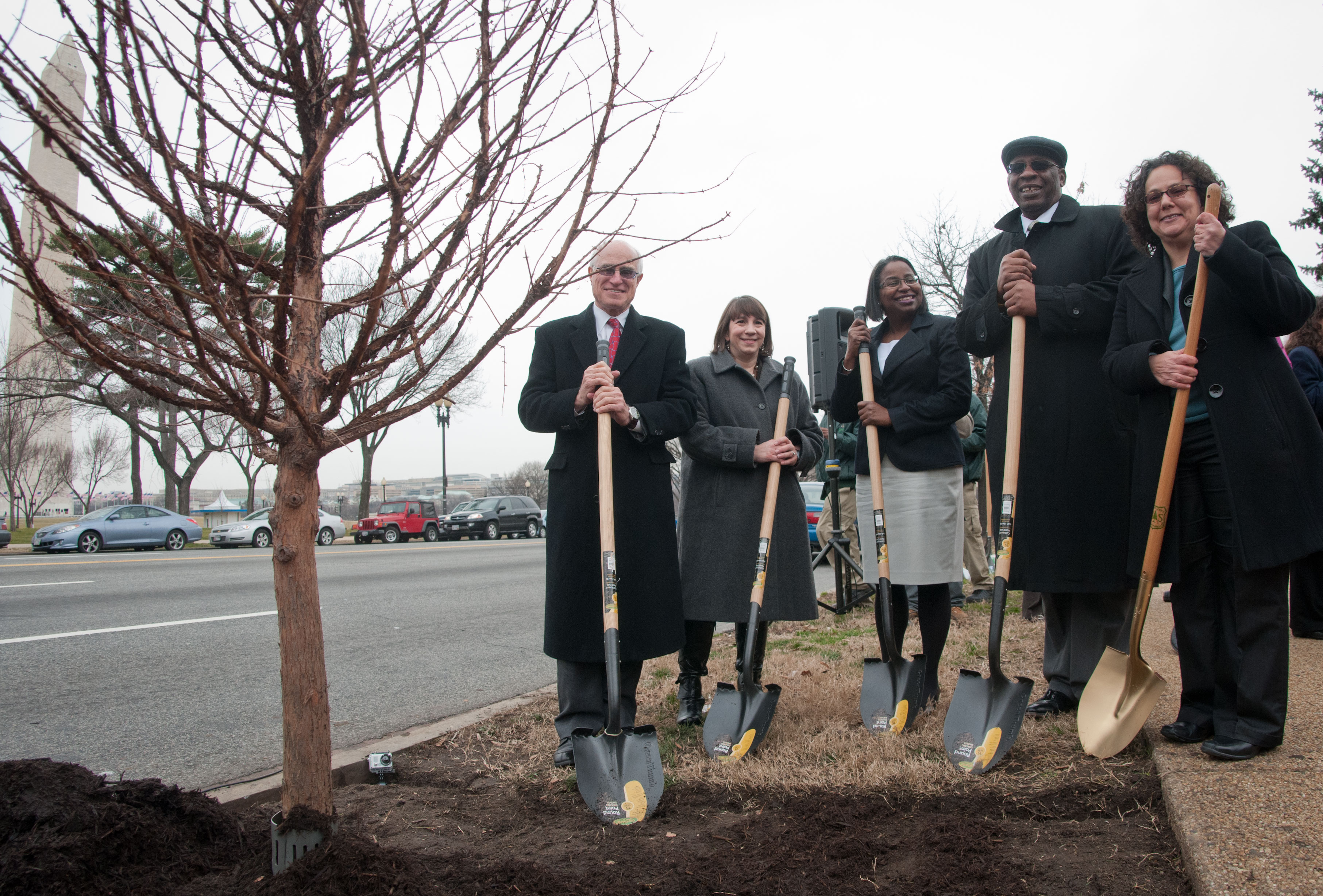 USDA Under Secretary Harris Sherman and CEQ Chair Nancy Sutley at Tu B'Shevat Tree Planting