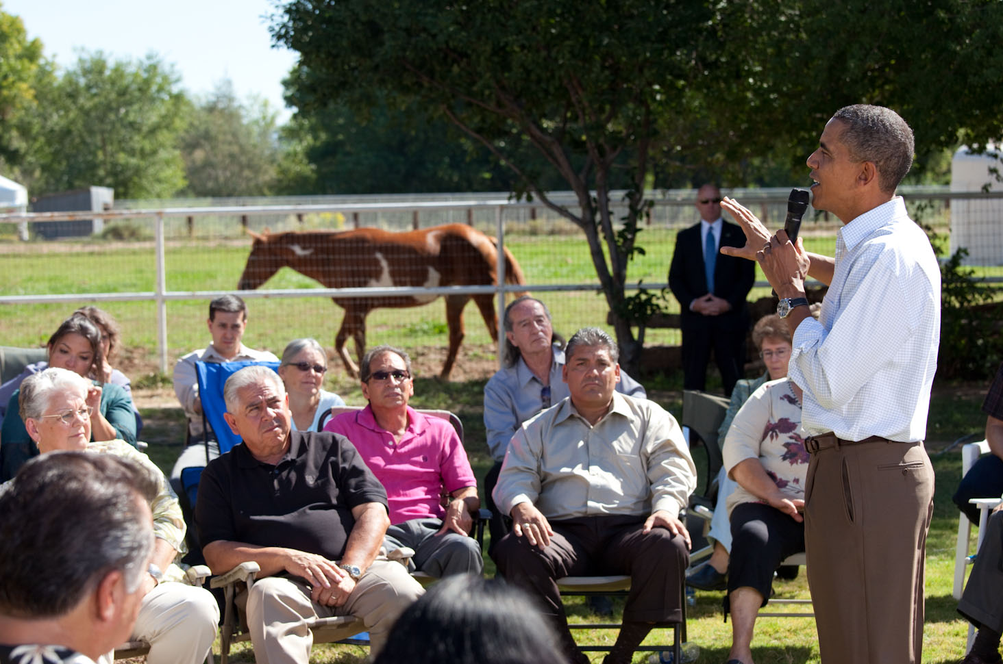 President Barack Obama Holds a Front Yard Discussion on the Economy in Albuquerque, New Mexico