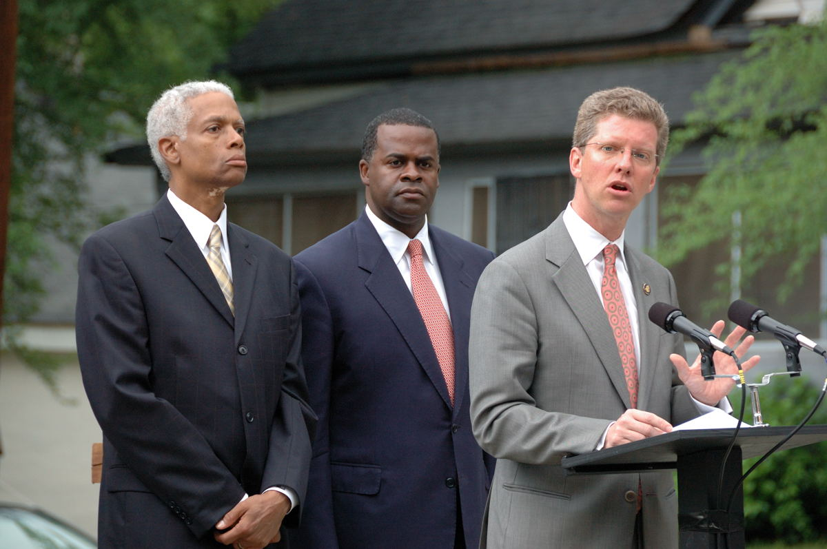 Secretary Donovan with Congressman Hank Johnson and Atlanta Mayor Kasim Reed