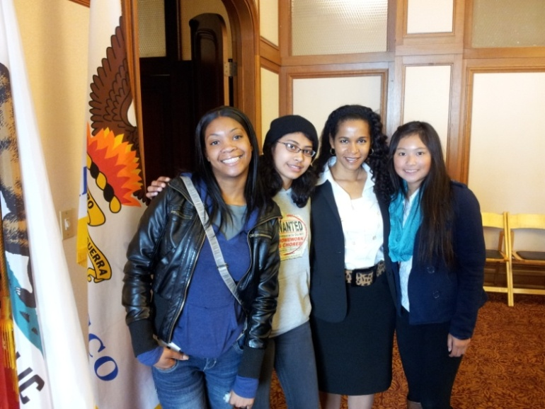 Karina Edmonds, Technology Transfer Coordinator for the Department of Energy, meets with girls