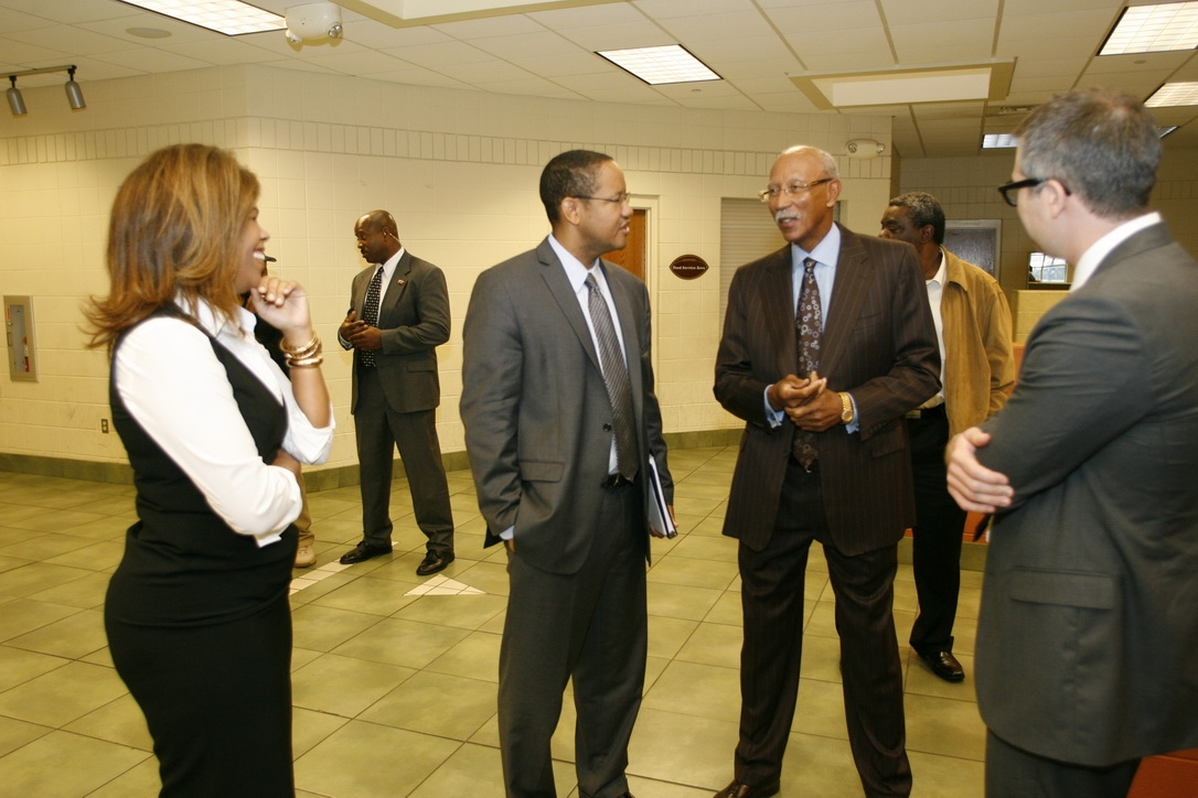 Michael Strautmanis meets with Mayor Dave Bing in Detroit