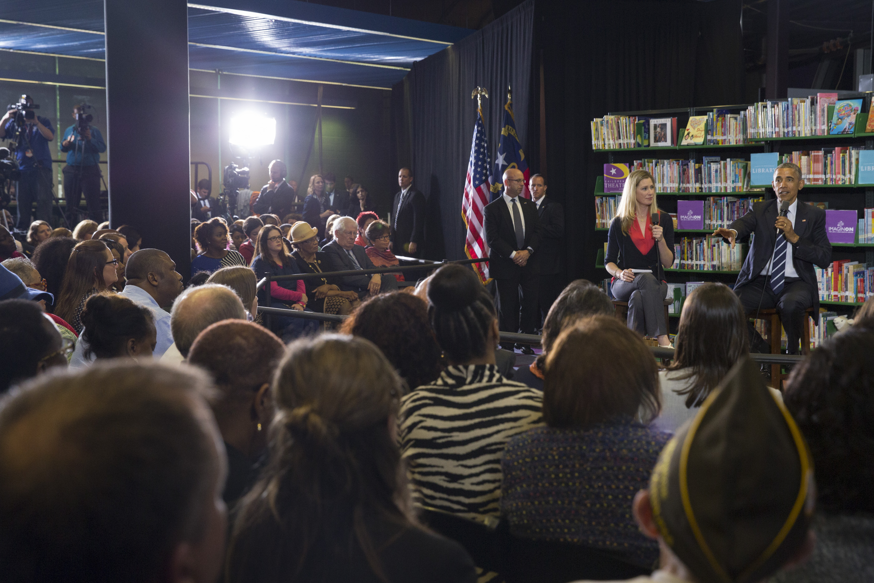 President Obama participates in a Town Hall with BlogHer and SheKnows Online communities (2)