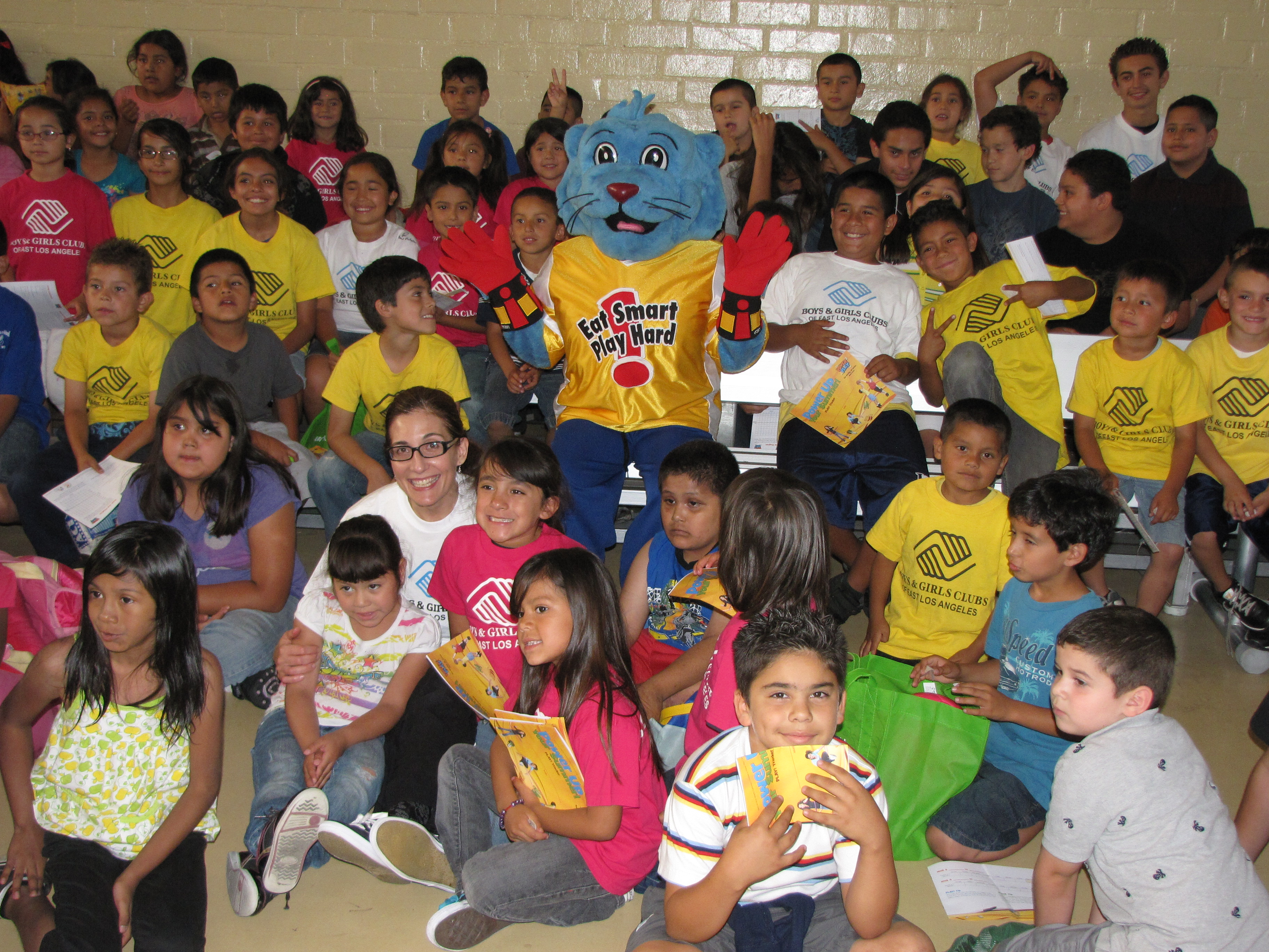Lisa Pino Visits the Boys and Girls Club of East L.A.