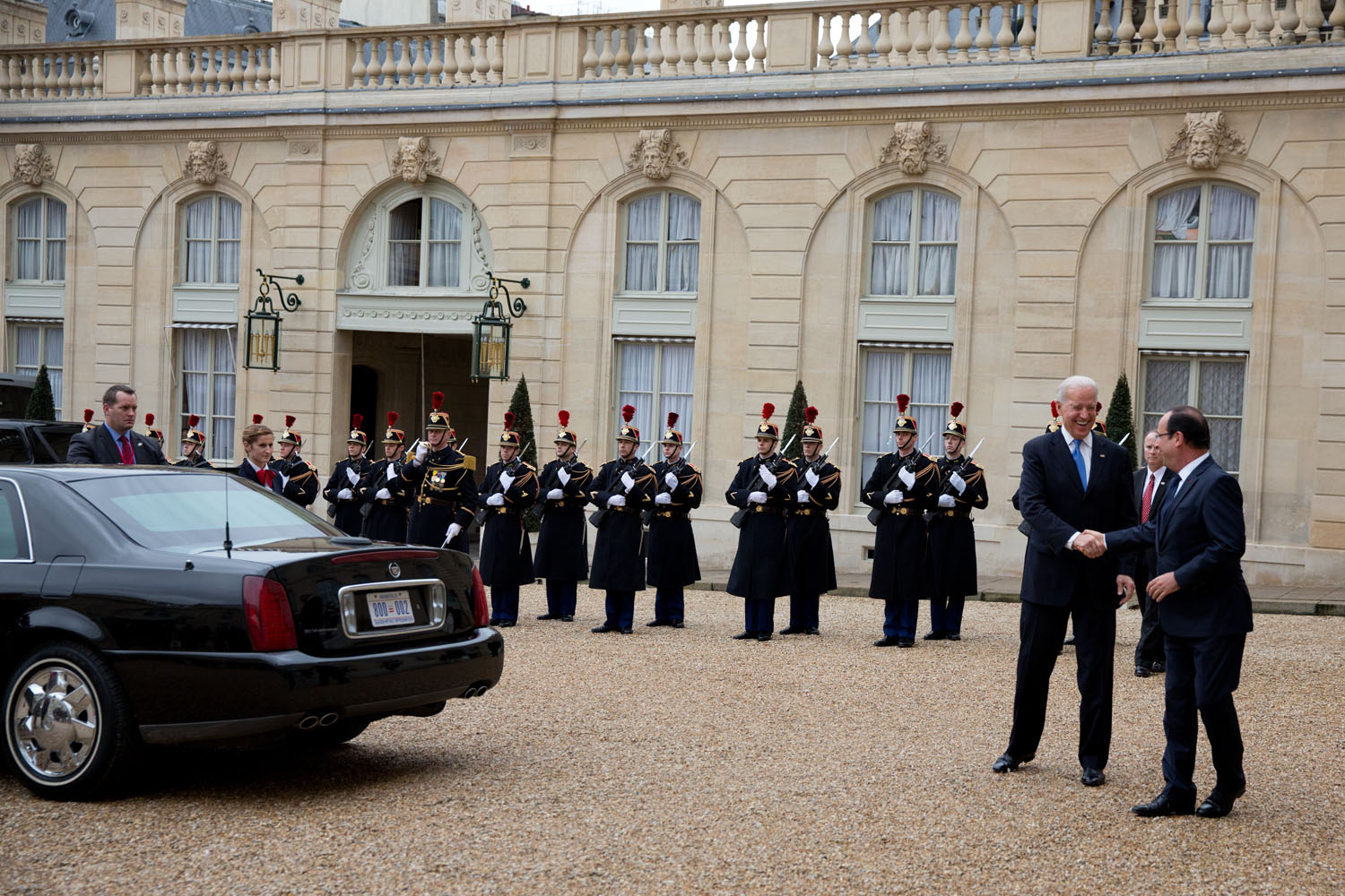 Vice President Joe Biden bids farewell to French President Francois Hollande