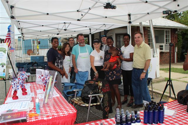 """Farmers Market: Food Desert"" participants"