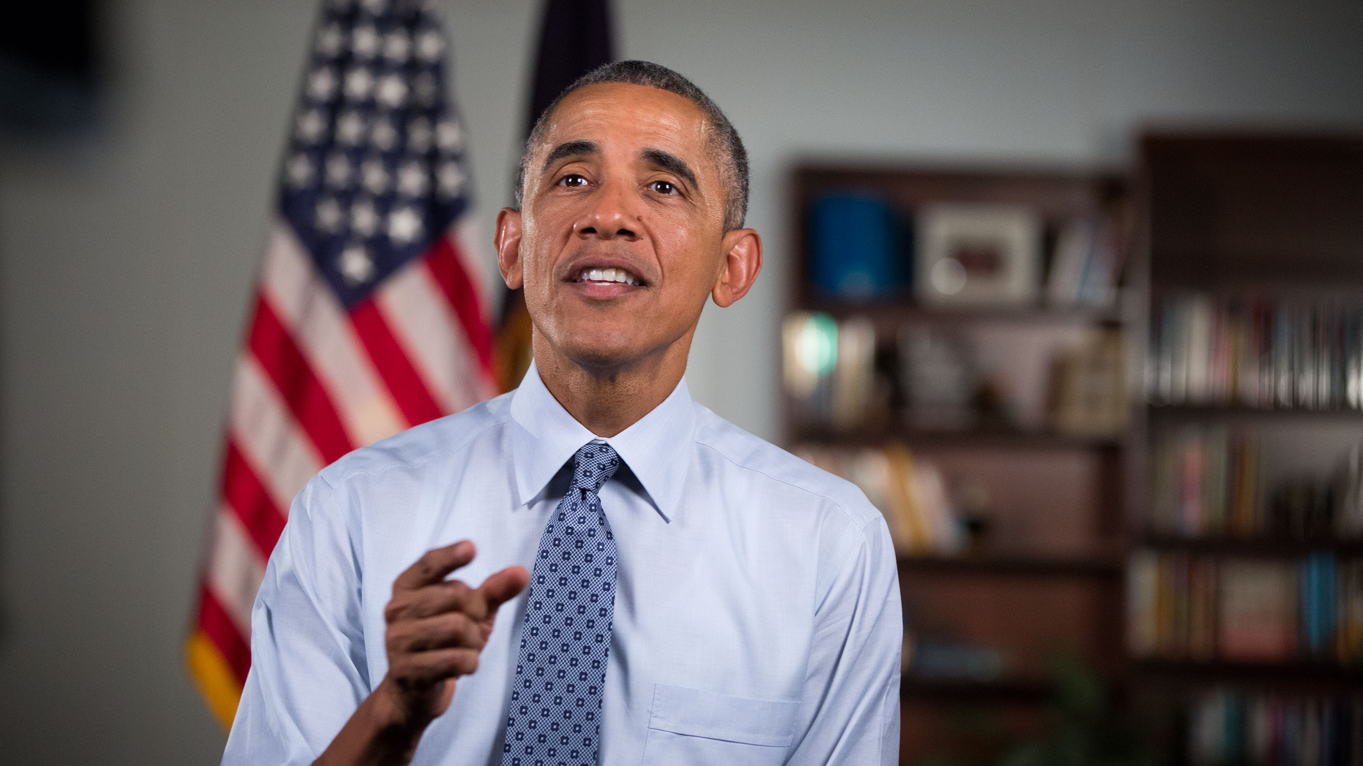 President Barack Obama tapes his weekly address following remarks on the economy at the University of Wisconsin in La Crosse, Wisconsin, July 2, 2015.