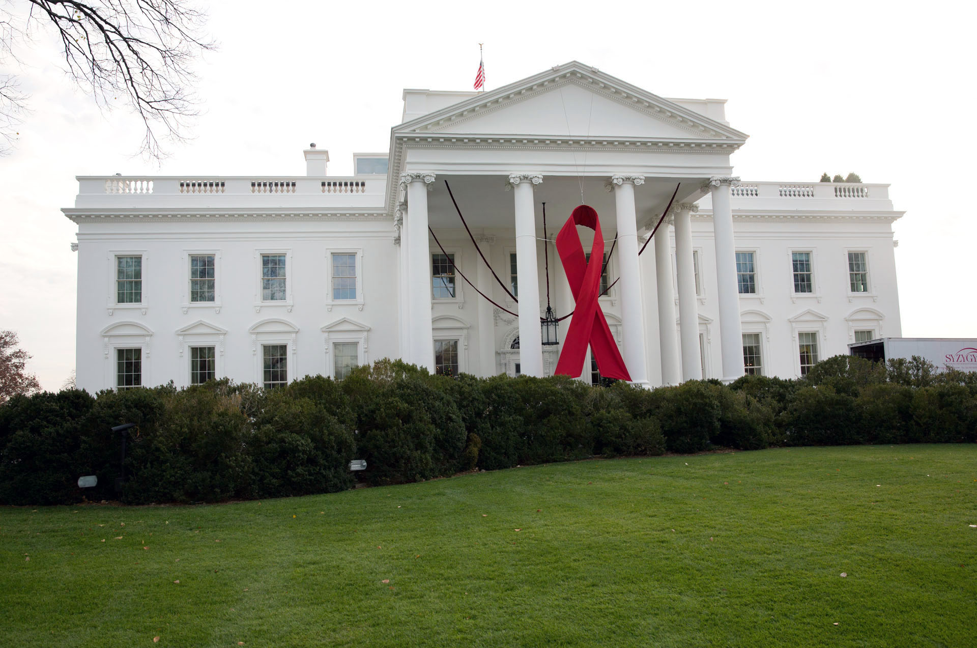 World AIDS Day 2012: The White House with ribbon