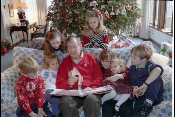 Christmas First Families: Bush 1991