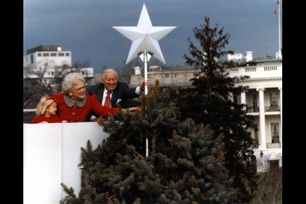 Christmas First Family: Barbara Bush 1989