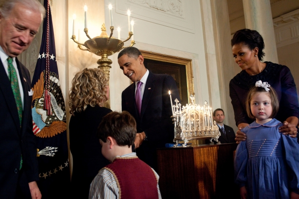 Christmas First Family- Obamas Hannukah