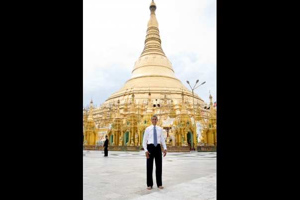 President Obama at the Shwedagon Pagoda
