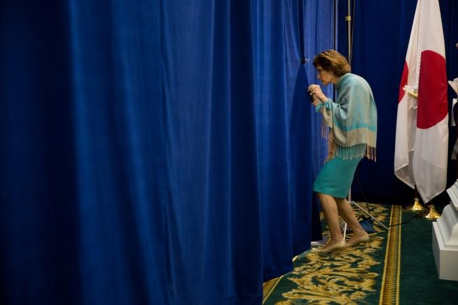 Capricia Marshall Ks Through The Curtain