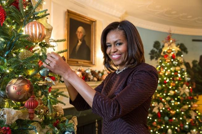 Obama Christmas.Michelle Obama Joy To All The White House