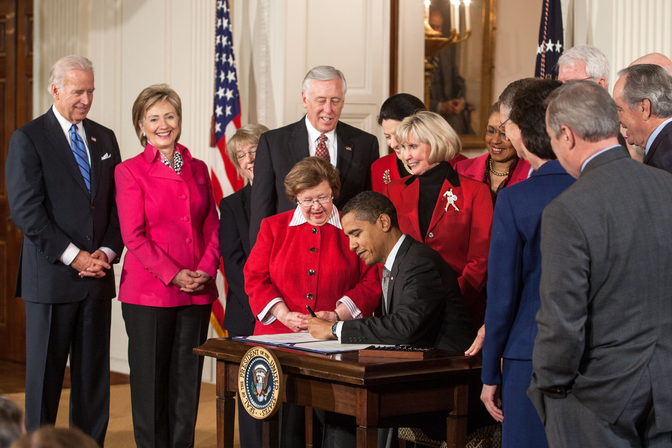 President Obama Signs the Lilly Ledbetter Act