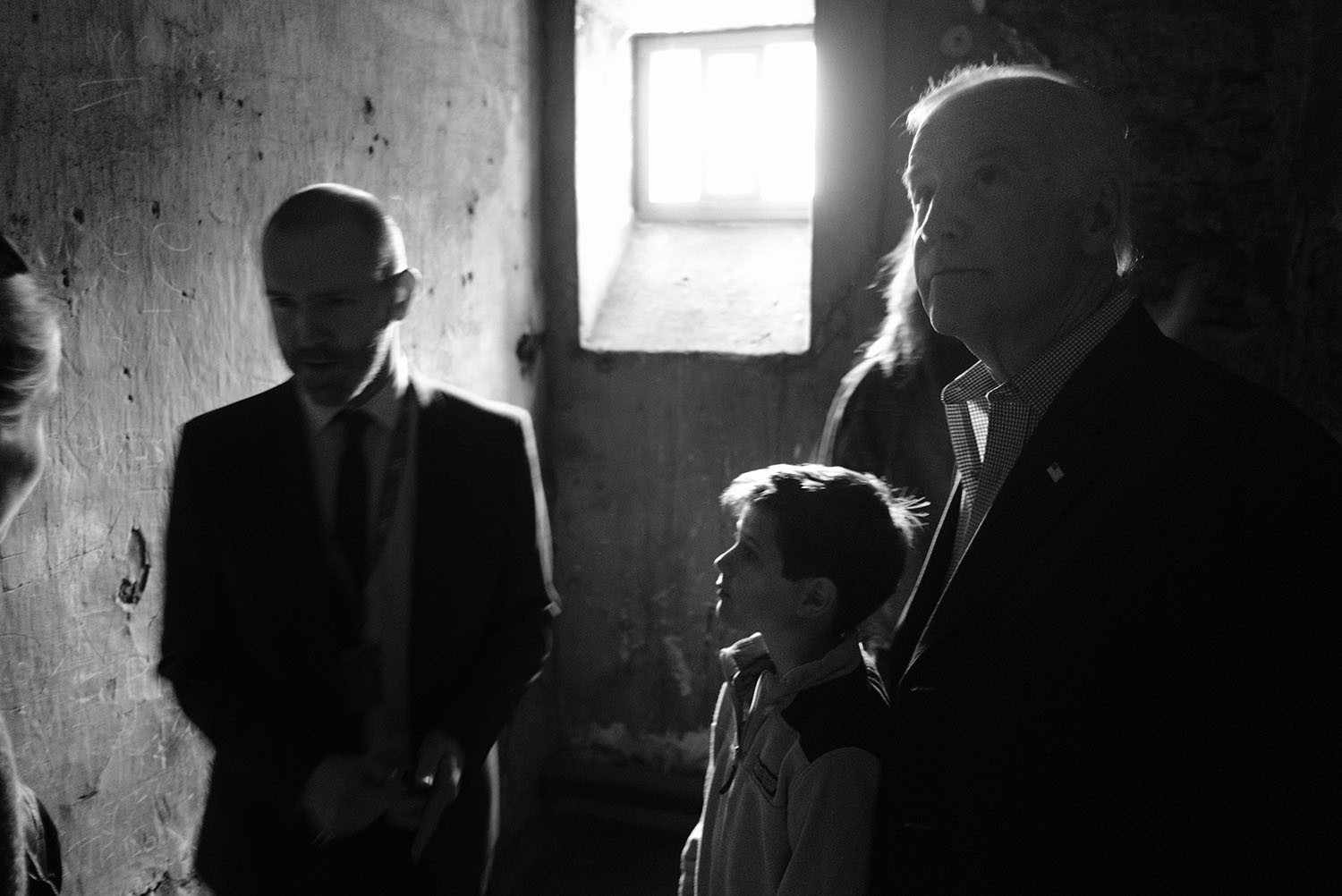 Vice President Joe Biden and grandson Hunter Biden tour one of the cells in Kilmainham Prison, where many of those who participated in the Easter Rising in 1916 were held, in Dublin, Ireland, June 23, 2016. (Official White House Photo by David Lienemann)