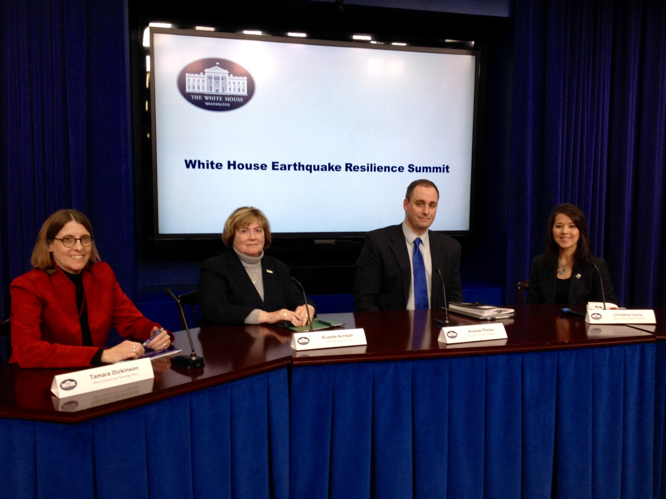 Tamara Dickinson, far left, of the White House Office of Science and Technology Policy with panelists, left to right, Suzette Kimball, USGS Director;  Andrew Phelps, Oregon Office of Emergency Management; and Christina Curry of eh California Office of Emergency Services.