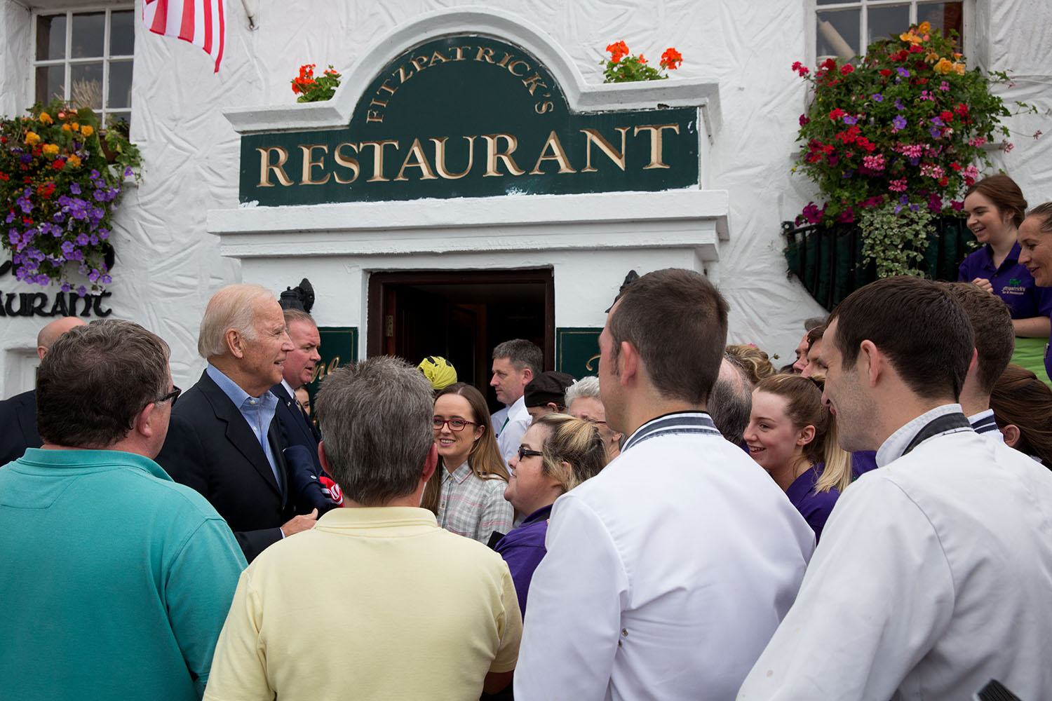 Vice President Joe Biden greets restaurant staff outside Fitzpatrick's Restaurant and Pub after a family lunch, in Dundalk, County Louth, Ireland, June 25, 2016. (Official White House Photo by David Lienemann)