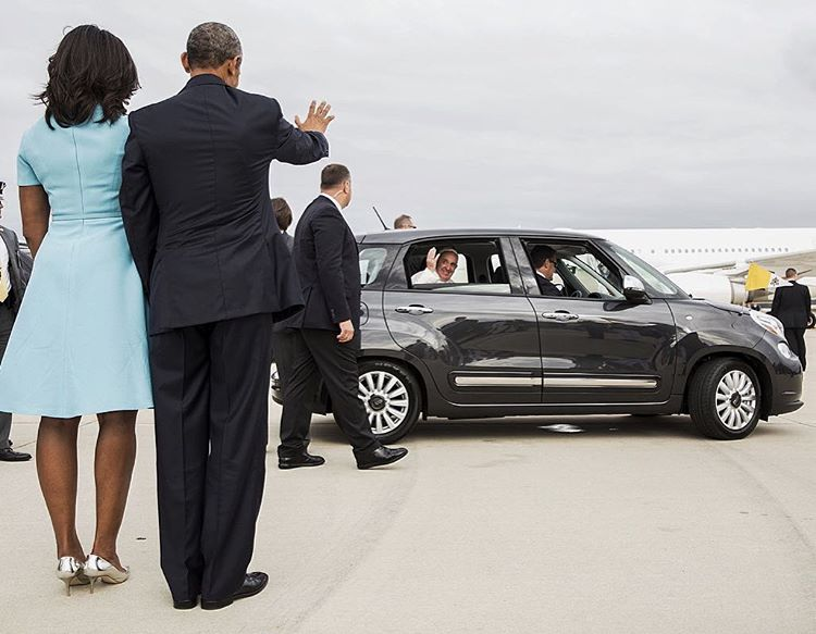 President and Mrs. Obama bid farewell to Pope Francis from Joint Base Andrews. They meet again tomorrow at the White House. DSLR. #PopeinDC