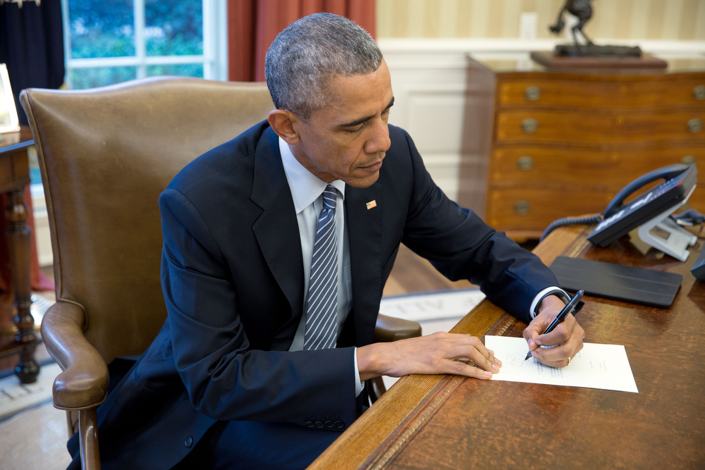 POTUS signs letter to Cuba