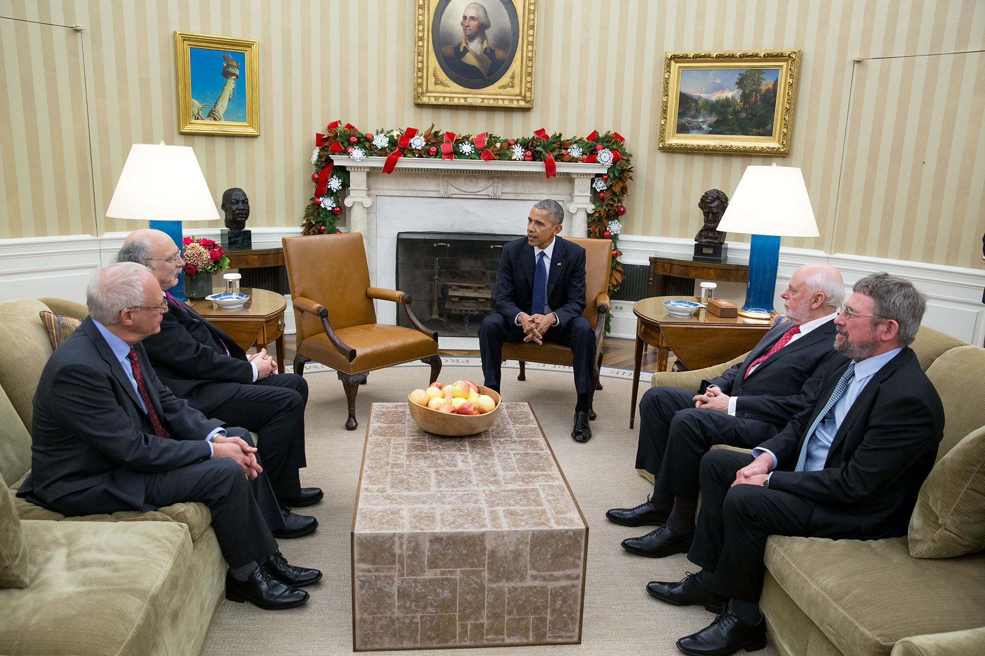 President Barack Obama greets the 2016 American Nobel Prize winners in the Oval Office, Nov. 30, 2016. From left are: Oliver Hart, Laureate of the 2016 Nobel Prize in Economic Sciences, from Harvard University, F. Duncan M. Haldane, Laureate of the 2016 Nobel Prize in Physics from Princeton University, Sir J. Fraser Stoddart, Laureate of the 2016 Nobel Prize in Chemistry from Northwestern University, and J. Michael Kosterlitz, Laureate of the 2016 Nobel Prize in Physics, from Brown University. (Official White House Photo by Pete Souza)