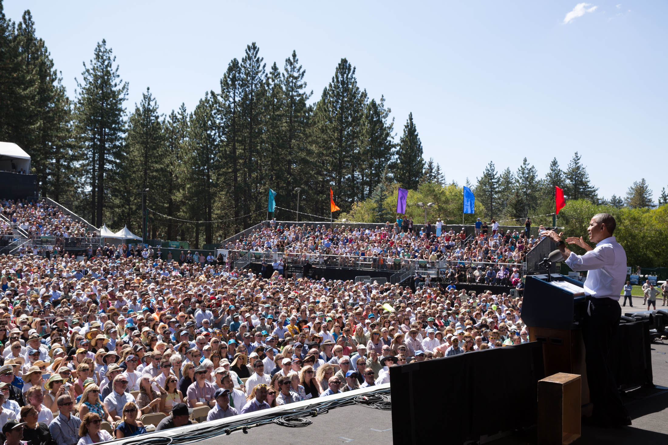 President Barack Obama makes remarks at the 20th Anniversary Lake Tahoe Summit at Lake Tahoe Outdoor Arena in Nevada, Aug. 31, 2016. (Official White House Photo by Pete Souza)