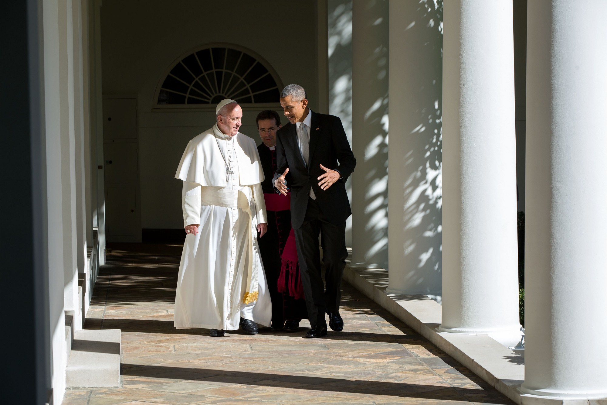 President Obama and Pope Francis walk along the Colonnade. (Official White House Photo by Pete Souza)